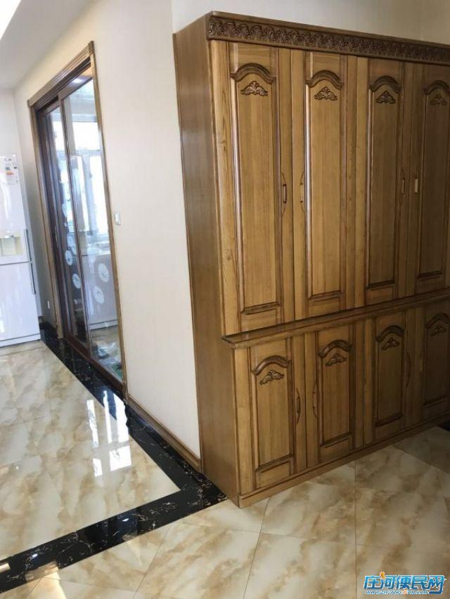 庄河 东城观海 三室二厅 64.8万 精装修