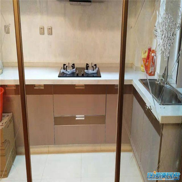 庄河 黄海明珠三期 95平 精装修 66.8万 二室二厅 急