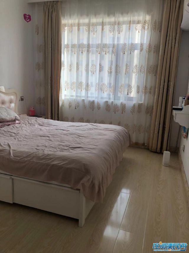 庄河 伟业御璟城二期 84.9平 二室二厅 64.8万 急售