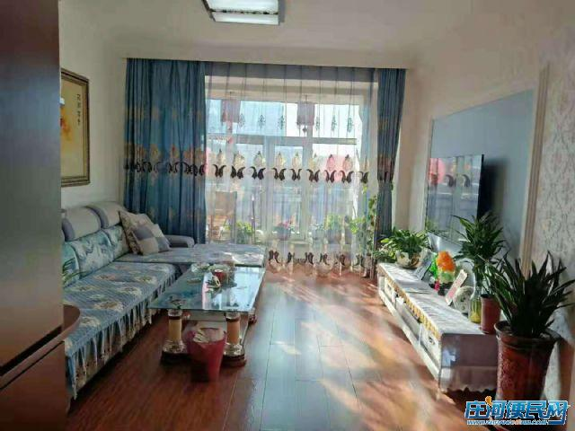 庄河 天伦花园 92平 电梯好楼层 报价59.8万