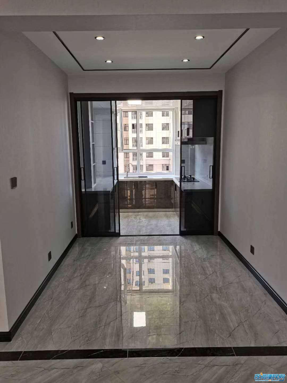 红崖学区房,精装电梯